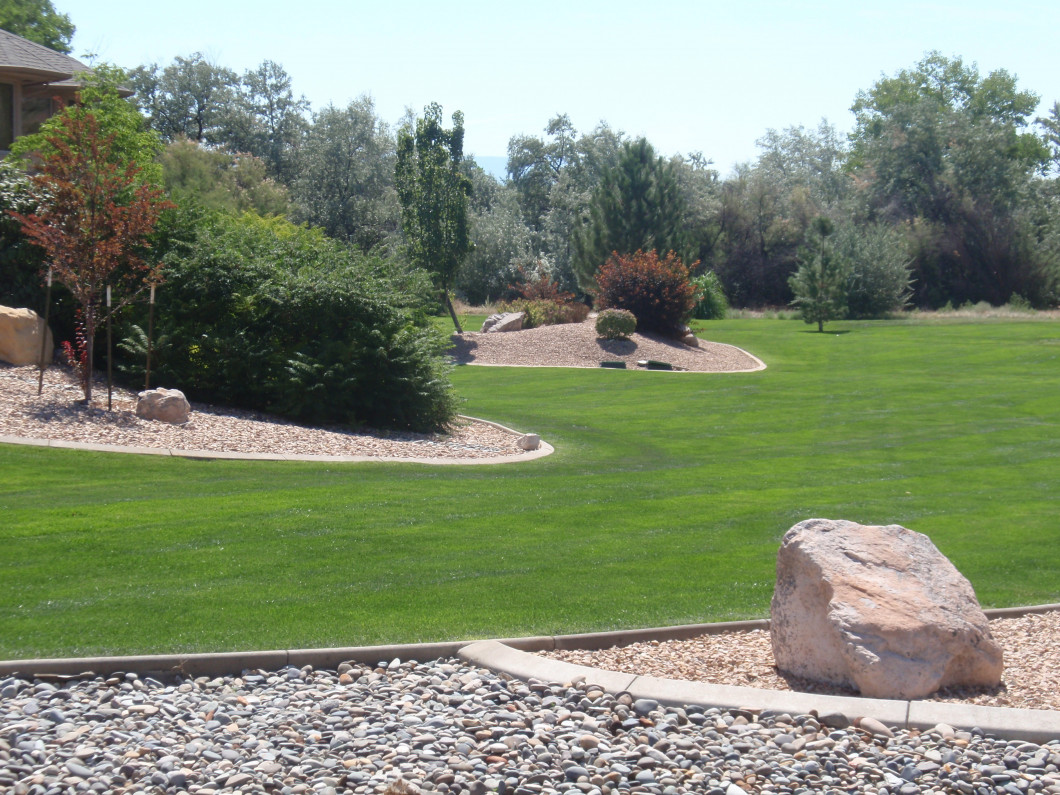 Leave Your Landscape Maintenance & Design to the Professionals